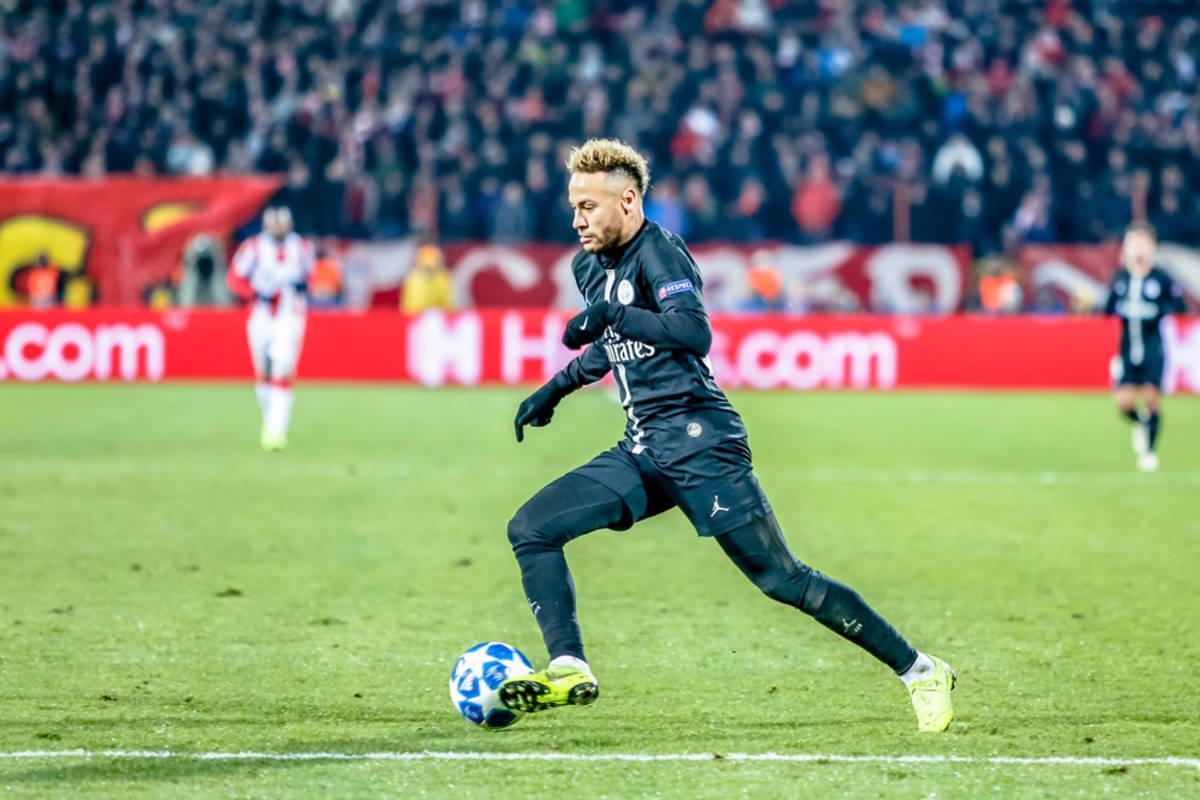 """PSG. Neymar wyróżnił piłkarza Borussii Dortmund. """"On jest wyjątkowy!"""""""