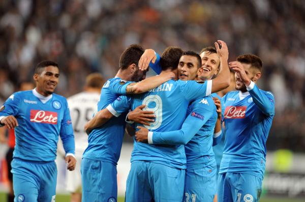 Napoli wygrywa z Fiorentiną, 90 minut Kuby
