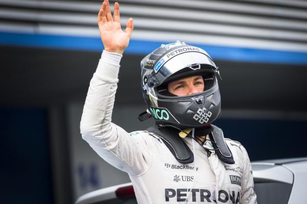 Rosberg: Będę cisnął, choć do Hamiltona daleko