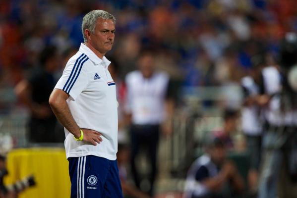 Tylko remis Chelsea. Mourinho krytykuje sędziego