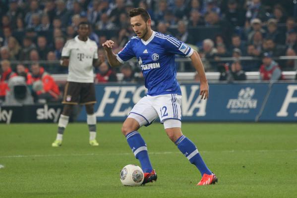 Obrońca na dłużej w Schalke 04