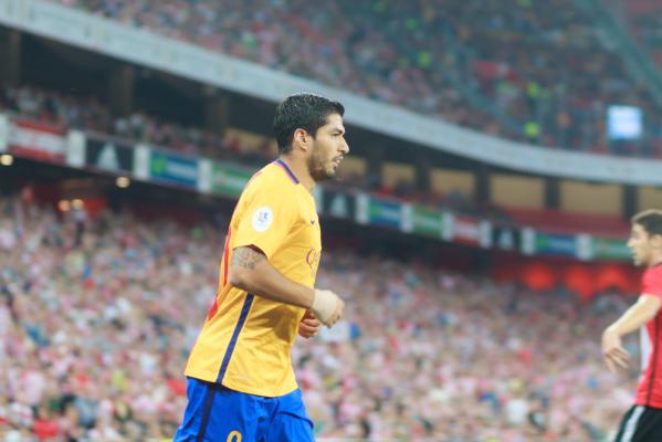 Trzy bramki Suareza w wygranym meczu Barcelony