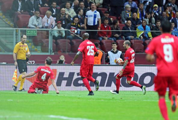 Sevilla przegrała z Villarreal, cały mecz Krychowiaka