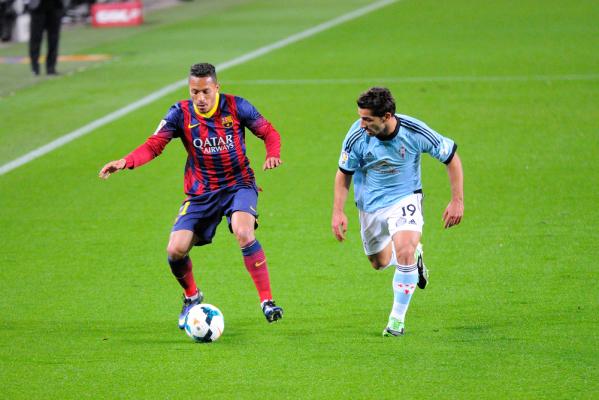 Adriano chce odejść z Barcy