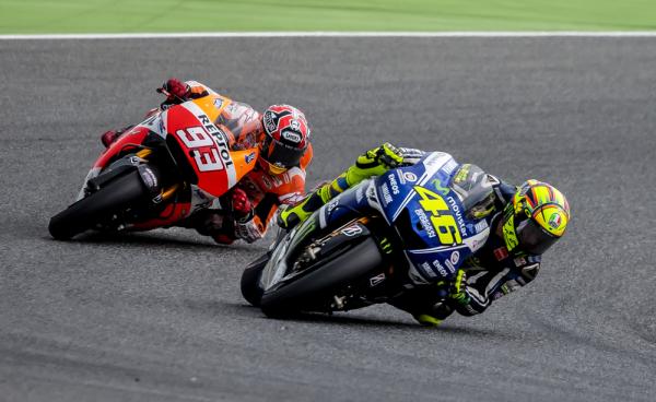 MotoGP: Lorenzo mistrzem świata, Rossi wicemistrzem