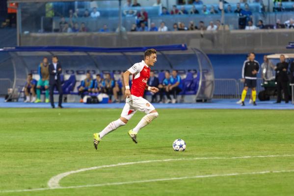 Mesut Oezil z rekordem Premier League