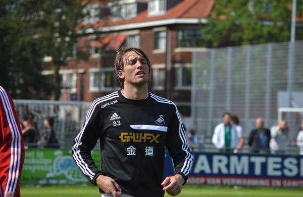 Michu rozstał się ze Swansea City