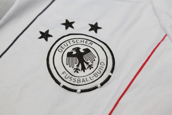 Prezes Niemieckiego Związku Piłki Nożnej podał się do dymisji