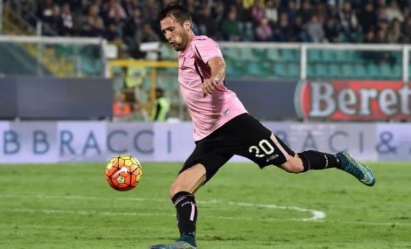 """Milan daje 25 mln za napastnika. """"Dorzućcie VAT!"""""""