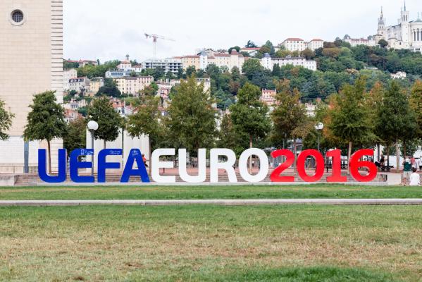 Prezydent francuskiej federacji: Obawiamy się o Euro