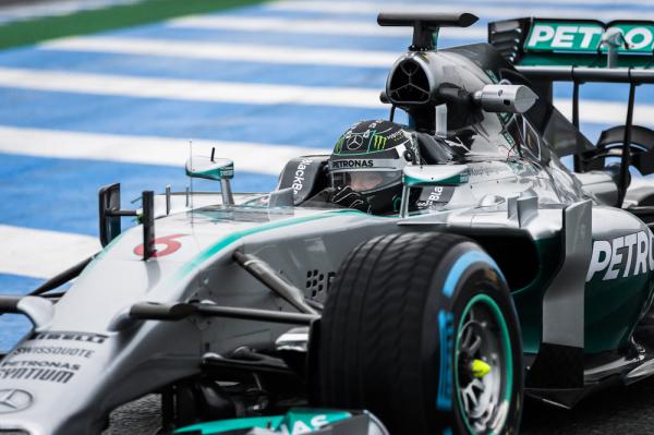 Rosberg z pole position w GP Brazylii
