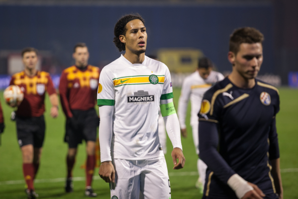 Holandia: Dwóch piłkarzy opuściło zgrupowanie kadry