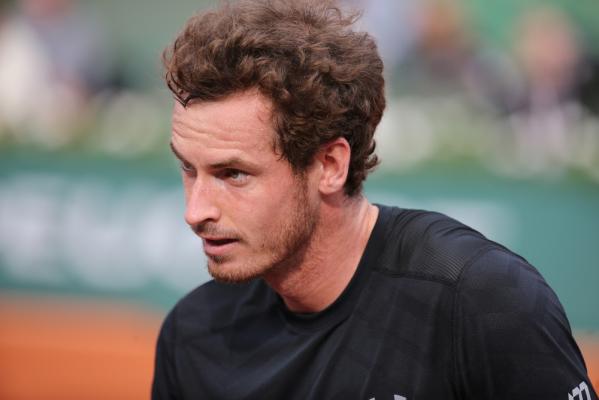Murray obciął sobie włosy na korcie. Nie pomogło [video]