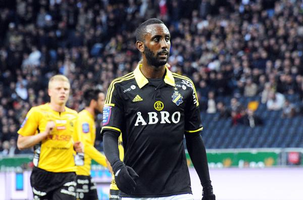 Lech i Legia rywalizują o napastnika [video]