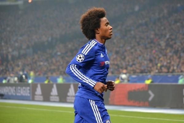 Wyjazdowe zwycięstwa Chelsea i Dynama Kijów