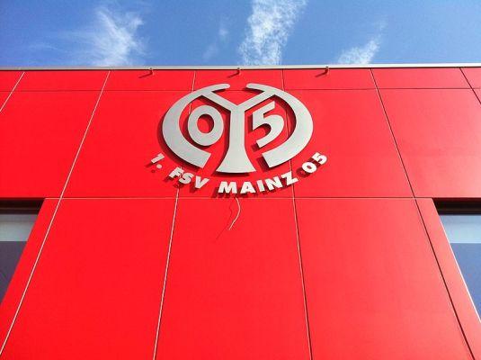 Zwycięstwo Mainz z Eintrachtem Frankfurt