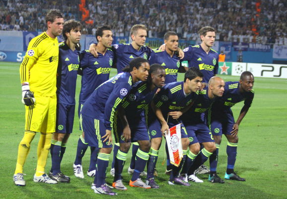 Ajax wygrał w Zwolle, Milik zszedł w końcówce