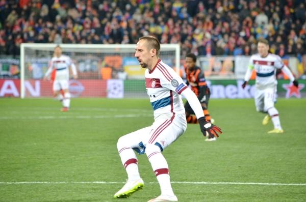 Pierwsza porażka Bayernu, 4 gole w M'Gladbach