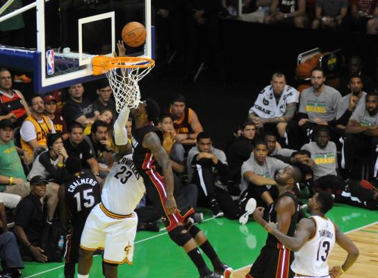 NBA: Dwunaste zwycięstwo Miami Heat