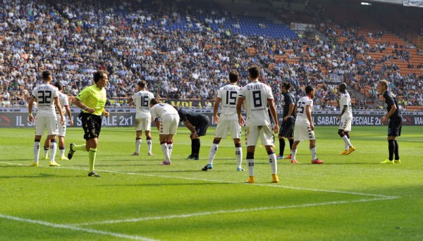 Remis Cagliari w Livorno, cały mecz Salamona