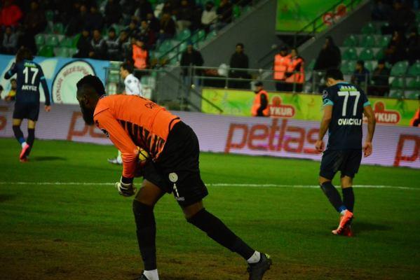 Tuszyński na ławce, Trabzonspor rozbity