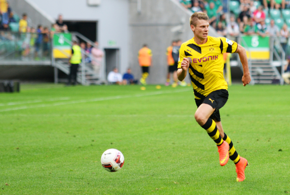Borussia rozbiła osłabiony Eintracht, asysta Piszczka