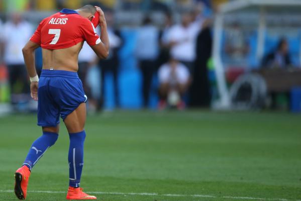 Alexis Sanchez wznowił treningi po kontuzji uda