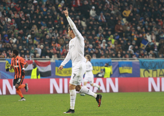 Figo: Ronaldo może zdobyć Złotą Piłkę