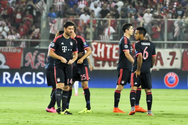 Wygrana Bayernu, cudowny gol Alonso [video]