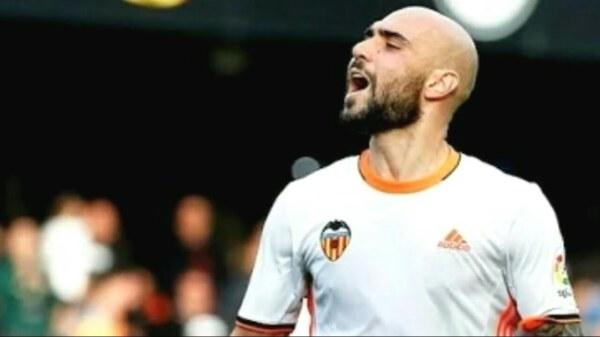 Hat-trick Simone Zazy w osiem minut! Valencia CF rozgromiła Malagę