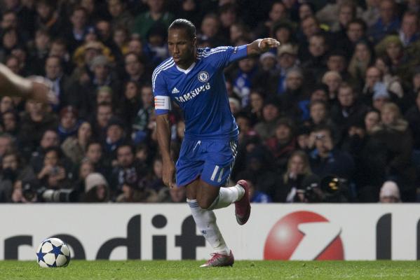 Hiddink: Pracujemy nad ściągnięciem Drogby do Chelsea