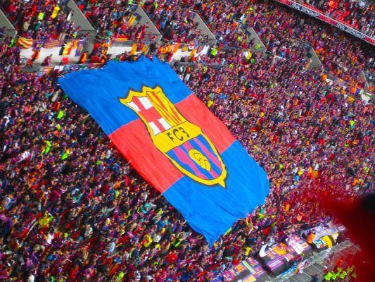 Obrońca Barcelony opuści początek sezonu