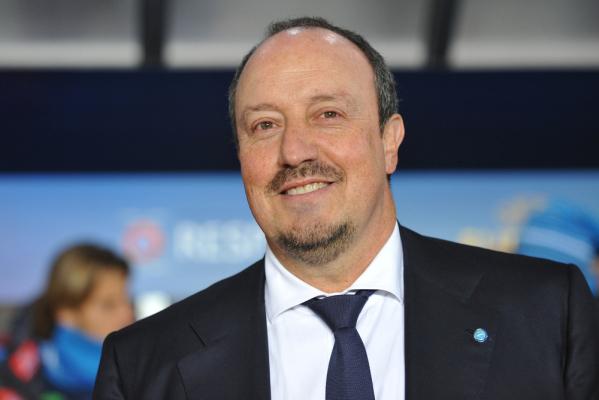 Benitez: Rozmawiam tylko o futbolu
