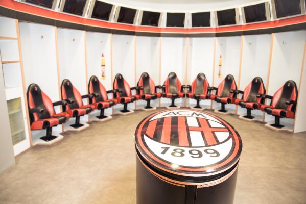 Berlusconi sprzedaje Milan. Na stole 485 milionów!