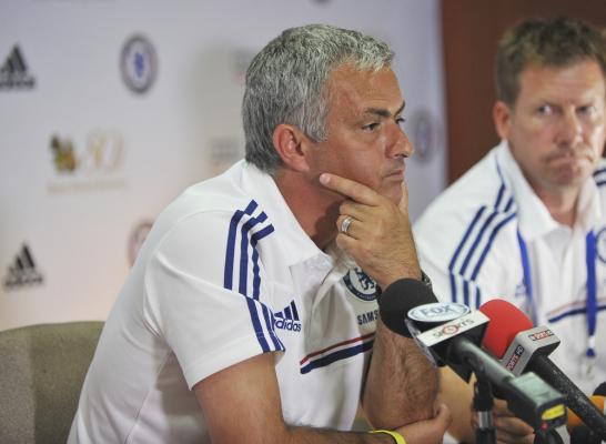 Mourinho: nie musimy kupować 10 piłkarzy