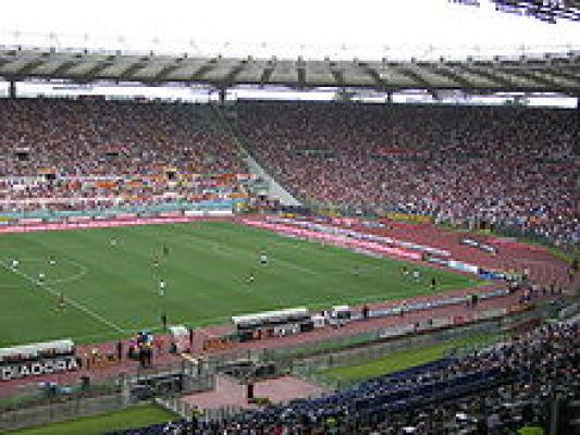 Roma wzmacnia obronę