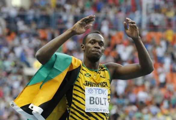 Usain Bolt wygrywa bieg na 100 metrów!