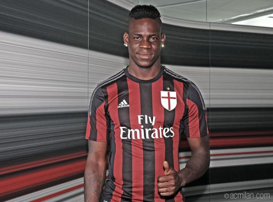 Oficjalnie: Balotelli wrócił do Milanu