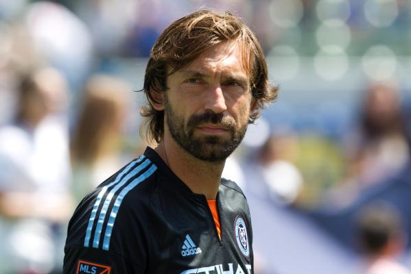 Conte: Pirlo należy się więcej szacunku
