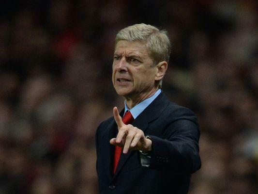 Wenger przebiera w ofertach. Interesuje go jednak praca w dwóch wielkich klubach