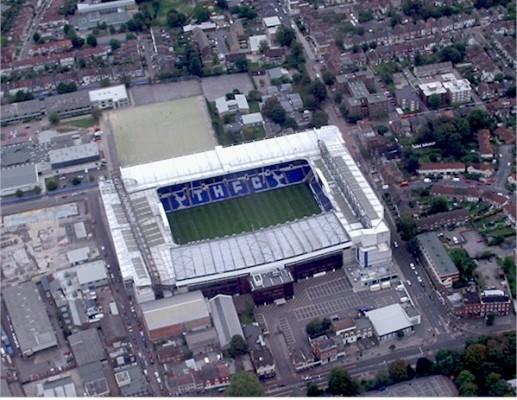 Tottenham rozwiązał kontrakt z Adebayorem