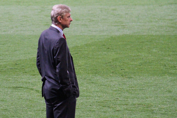 Wenger: To wstyd. Costa powinien wylecieć z boiska