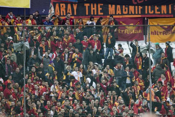 Galatasaray zwycięża, Tuszyński bez gry