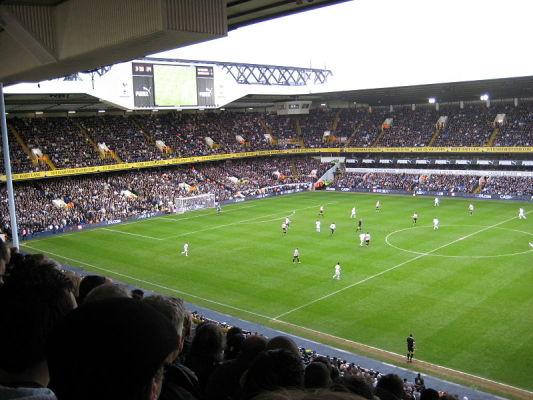 Fani Arsenalu demolowali stadion Tottenhamu [video]