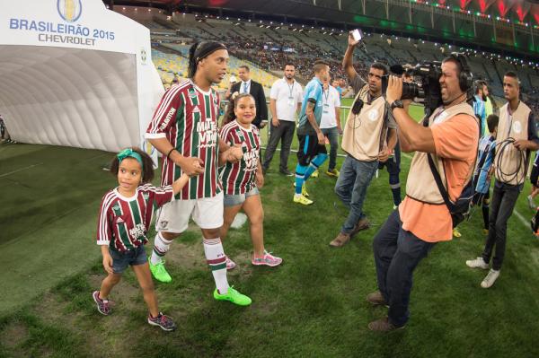 Ronaldinho czeka na oferty