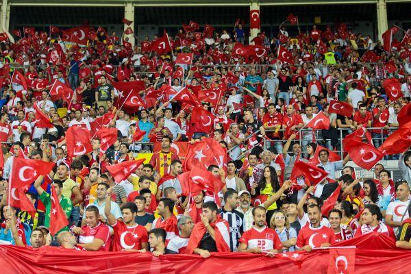 El. ME: zwycięstwo Turcji komplikuje sytuację Holandii