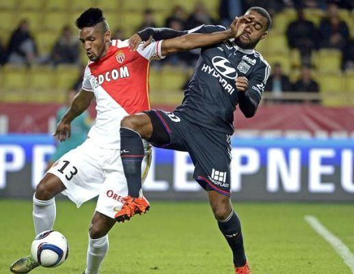 """Monaco w """"10"""" remisuje z Lyonem"""