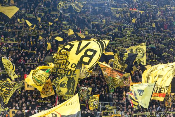 4 gole i remis BVB z Schalke, Piszczek na ławce