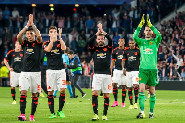 """Manchester United pod wodzą van Gaala cofa się w rozwoju"""