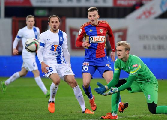 Dramatyczny mecz w Poznaniu - 4 gole i remis Lecha z Piastem